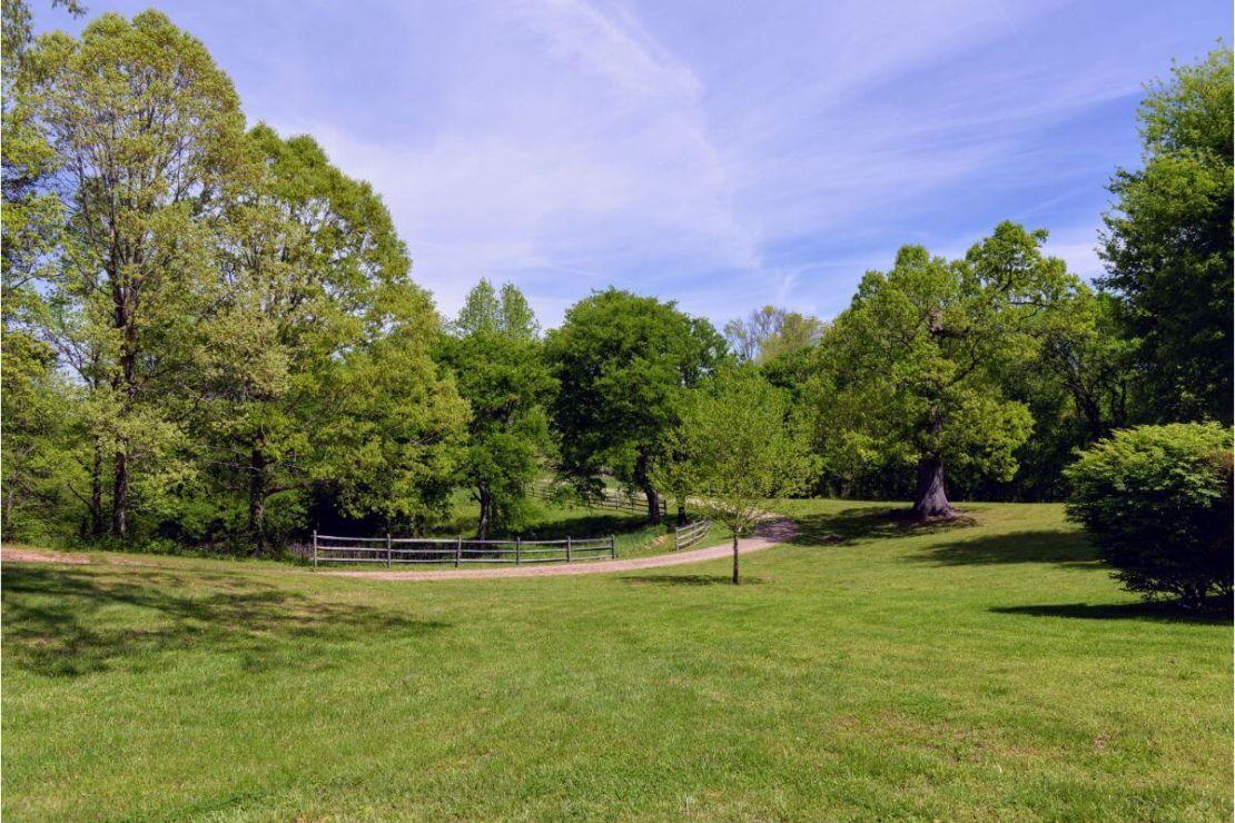 Thornhill Farm & Estate